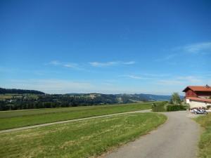 paysage-prairie-route-saulcy-suisse-2