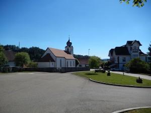 place-village-eglise-saulcy-suisse-montagne