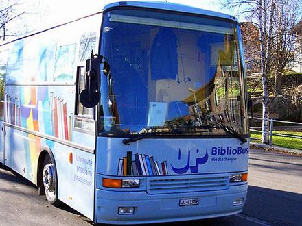 bibliobus-universite-populaire-jurassienne-saulcy-jura-suisse-3